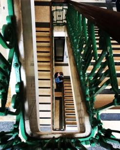 cet escalier... Ce bâtiment !